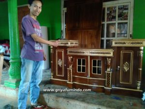 IMG 20191012 153132 wm 1 300x225 - Bufet TV Ukir Kuda