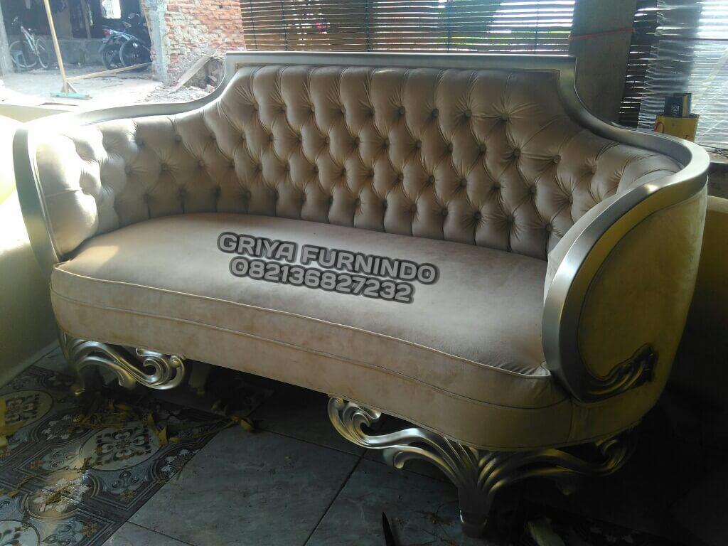 Sofa Santai Ruang Keluarga